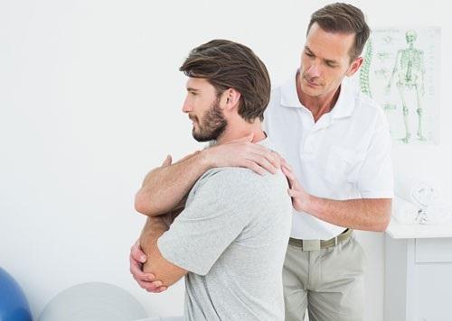 درمانهای دستی یا کایروپرکتیک