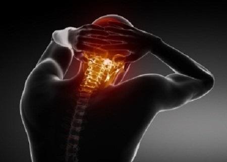 علائم و نشانههای کشیدگی گردن کدامند؟