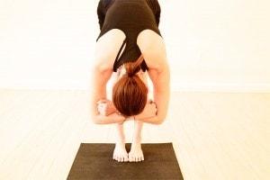 یوگا در درمان زانو پرانتزی
